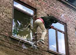 "Window jump for TV-series ""The Law and Father Schwarz"" (SAT1)"